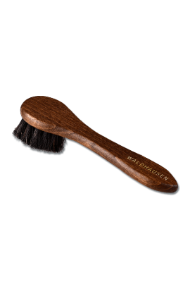cream brush -exclusive-
